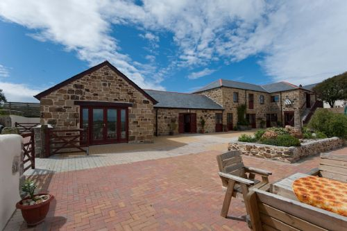Upfront,up,front,reviews,accommodation,self,catering,rental,holiday,homes,cottages,feedback,information,genuine,trust,worthy,trustworthy,supercontrol,system,guests,customers,verified,exclusive,barn owl,bejowan barns holiday cottages,,,image,of,photo,picture,view