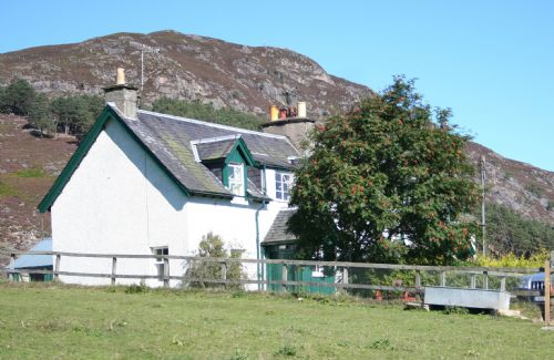 Upfront,up,front,reviews,accommodation,self,catering,rental,holiday,homes,cottages,feedback,information,genuine,trust,worthy,trustworthy,supercontrol,system,guests,customers,verified,exclusive,1 wester delfour,alvie estate,kincraig, kingussie,,image,of,photo,picture,view
