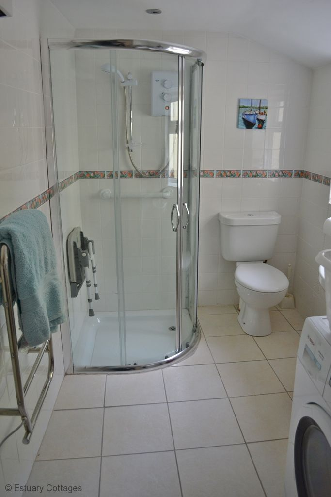 Shower room/utility to second sitting room