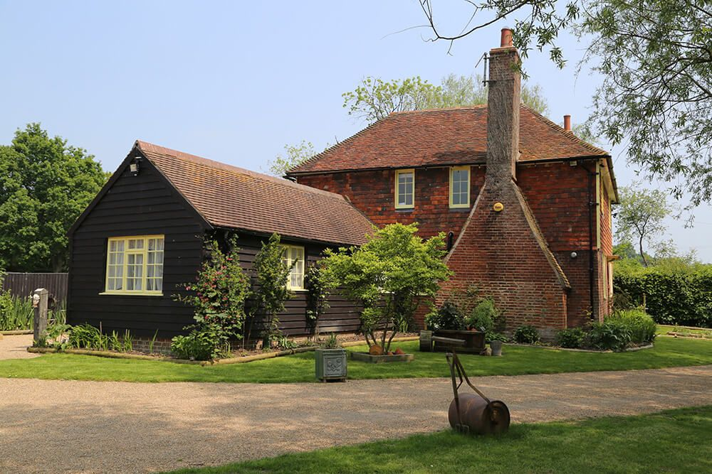 Beautiful Larkin Farmhouse & Studio, sleeping 12, featured as the home of Ma and Pop Larkin in the Darling Buds of May ITV series