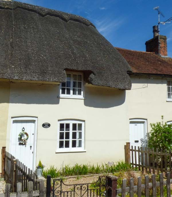 Phoebe's Cottage is a charming 400-year old thatched terraced cottage in the heart of Romsey