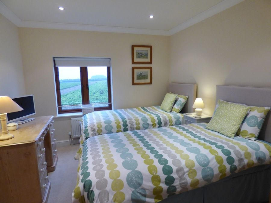 Norfolk holiday cottage to rent in docking beech house 2 for Custom cottage fish house prices