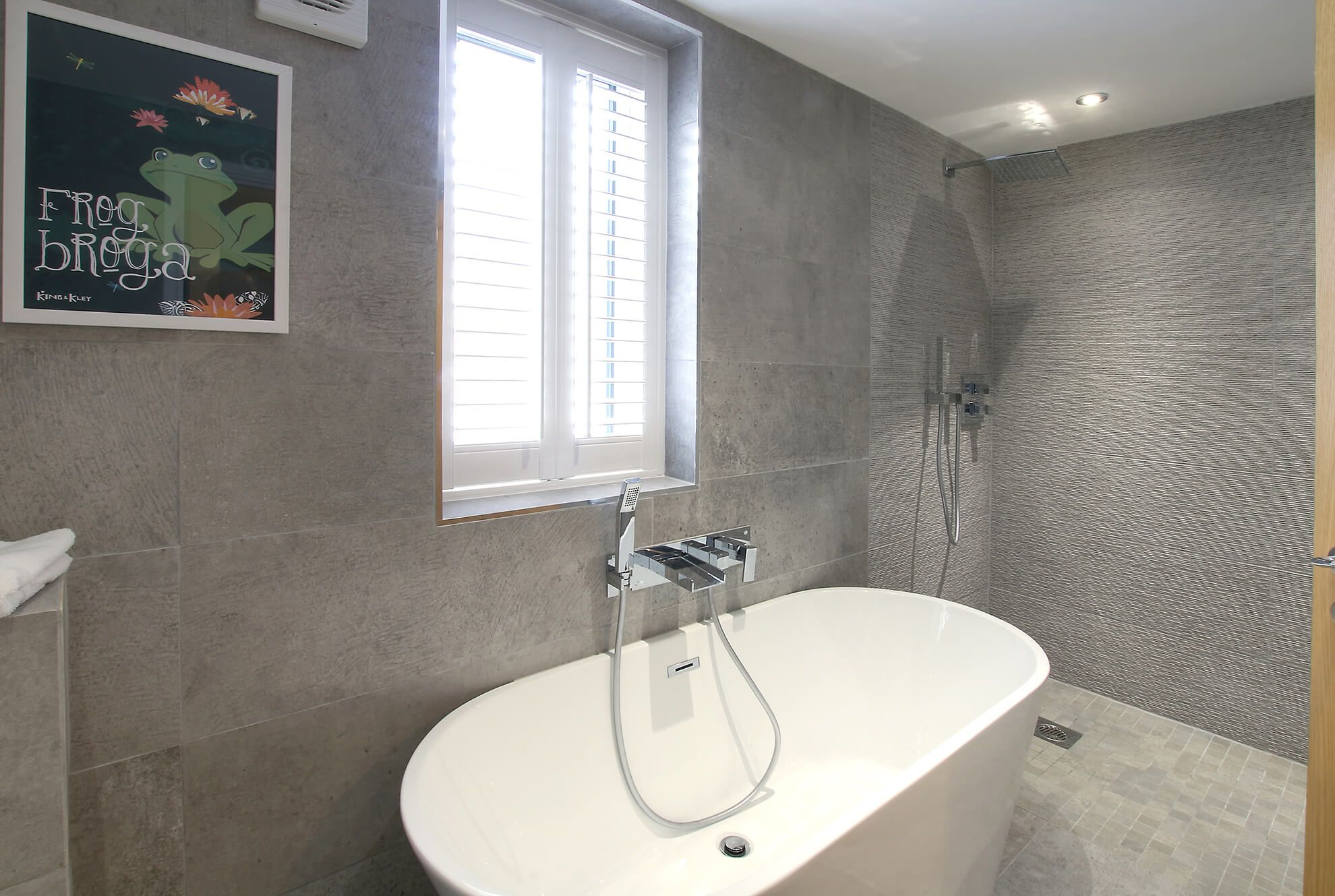 Ground floor: Stand alone bath with waterfall tap