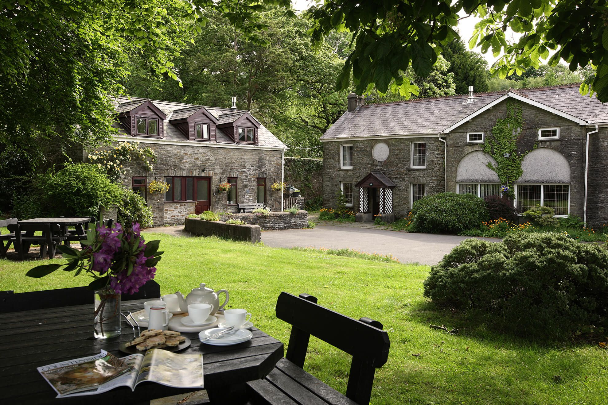 Afternoon tea on the courtyard lawn (Hafod Y Wennol is on the left)