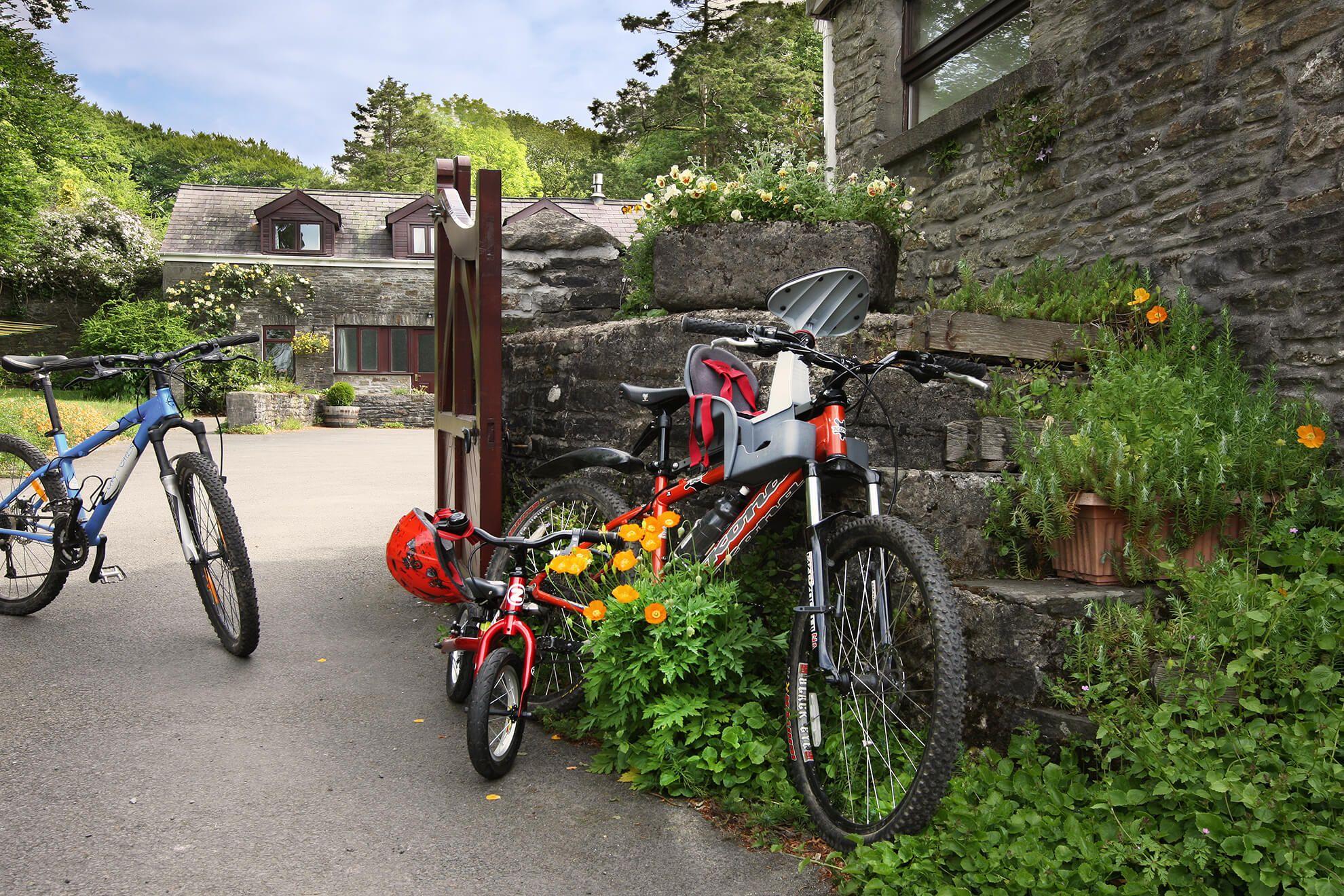 Bikes on the courtyard at Hafod Y Wennol