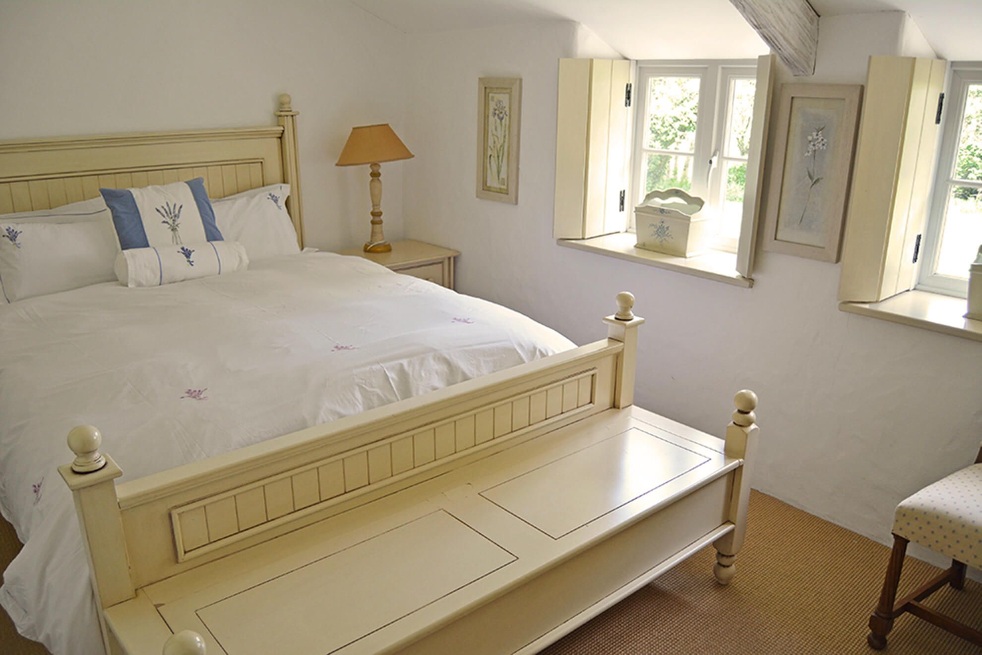 Ground floor: Large bedroom with super-king size bed and en suite shower room