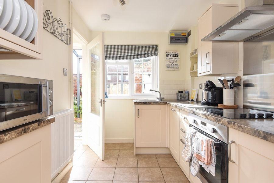Avocet Cottage   Kitchen