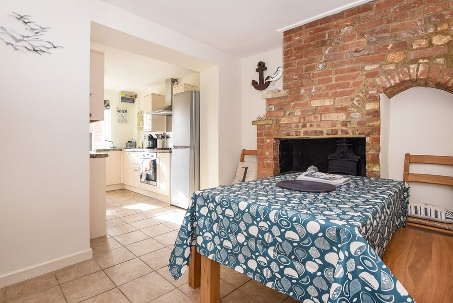 Avocet Cottage   Dining thro to kitchen