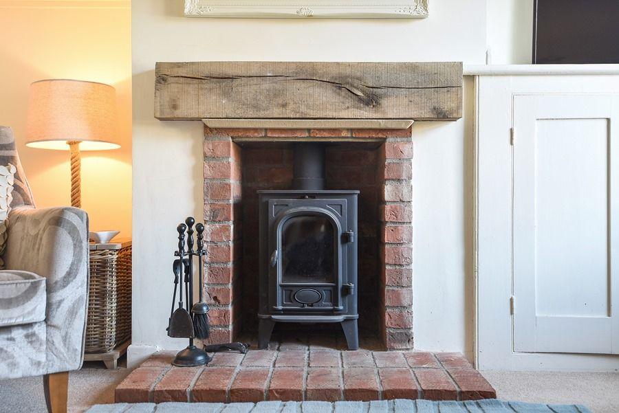 Avocet Cottage   Wood burner
