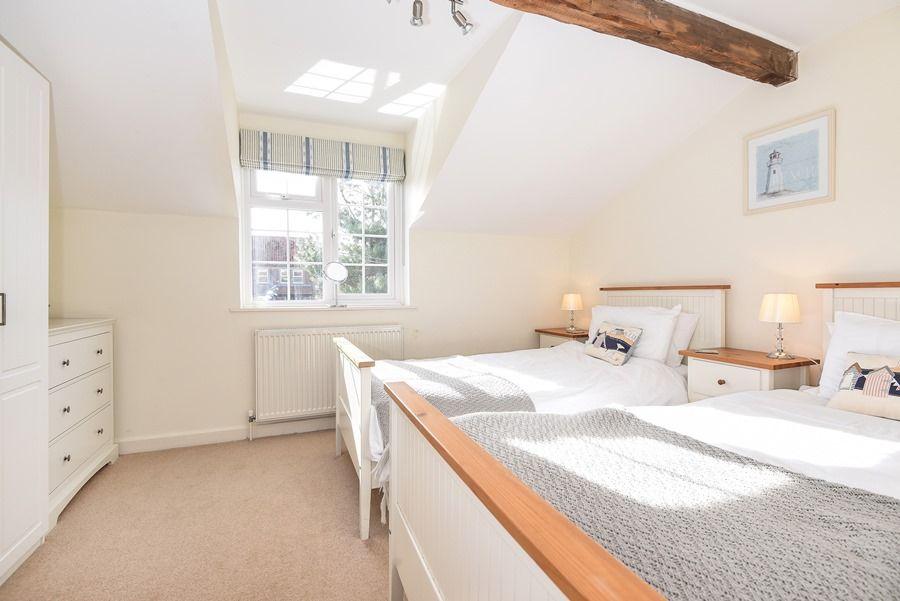 Avocet Cottage   Twin bedroom