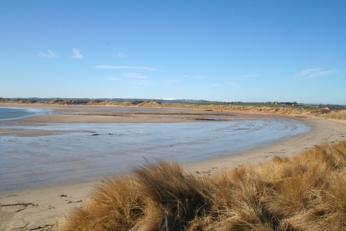 The sweeping beadnell bay