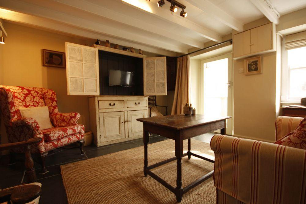 Penvar Cottage; Gerrans;  TV