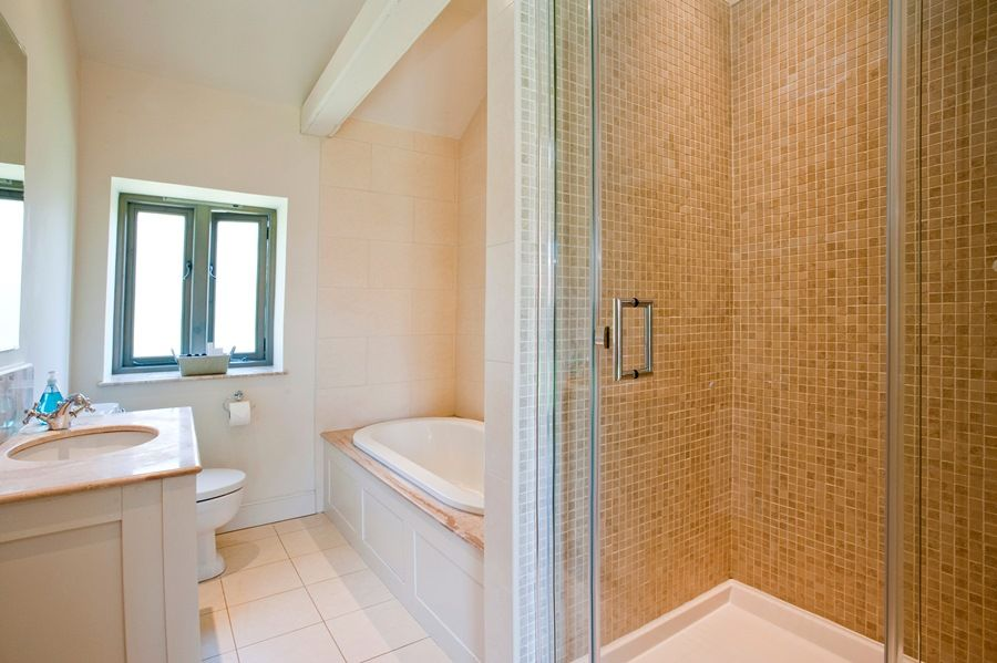Big Sky Barn | Bathroom