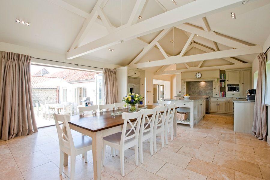 Big Sky Barn | Kitchen/breakfast room