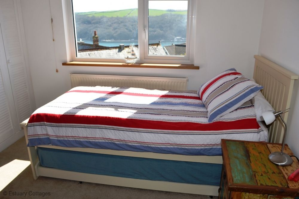 Bedroom 2 - Twin