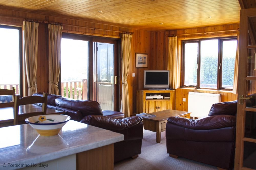 Quayway Lodge, Portscatho - Roseland & St Mawes cottages