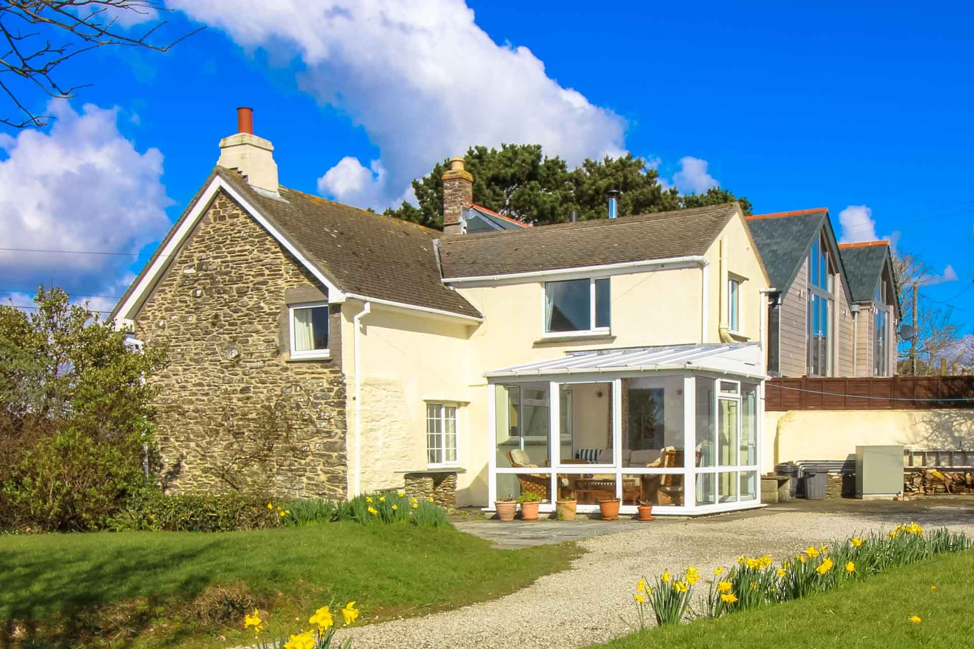 Quince cottage pendower 396350 st mawes and the roseland for Custom cottage fish house prices