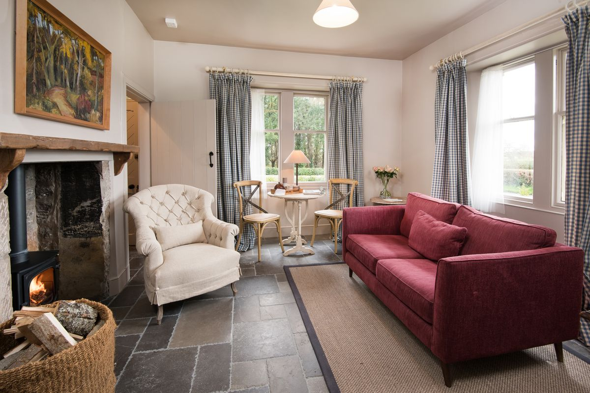 PARK END Milne Graden Estate Coldstream Sleeps 2 School House