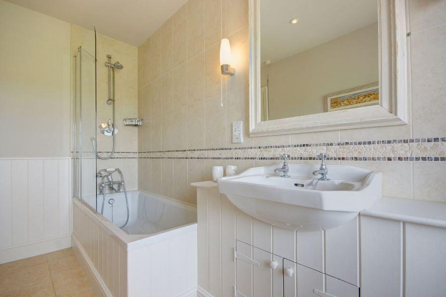 Greystones | Bathroom