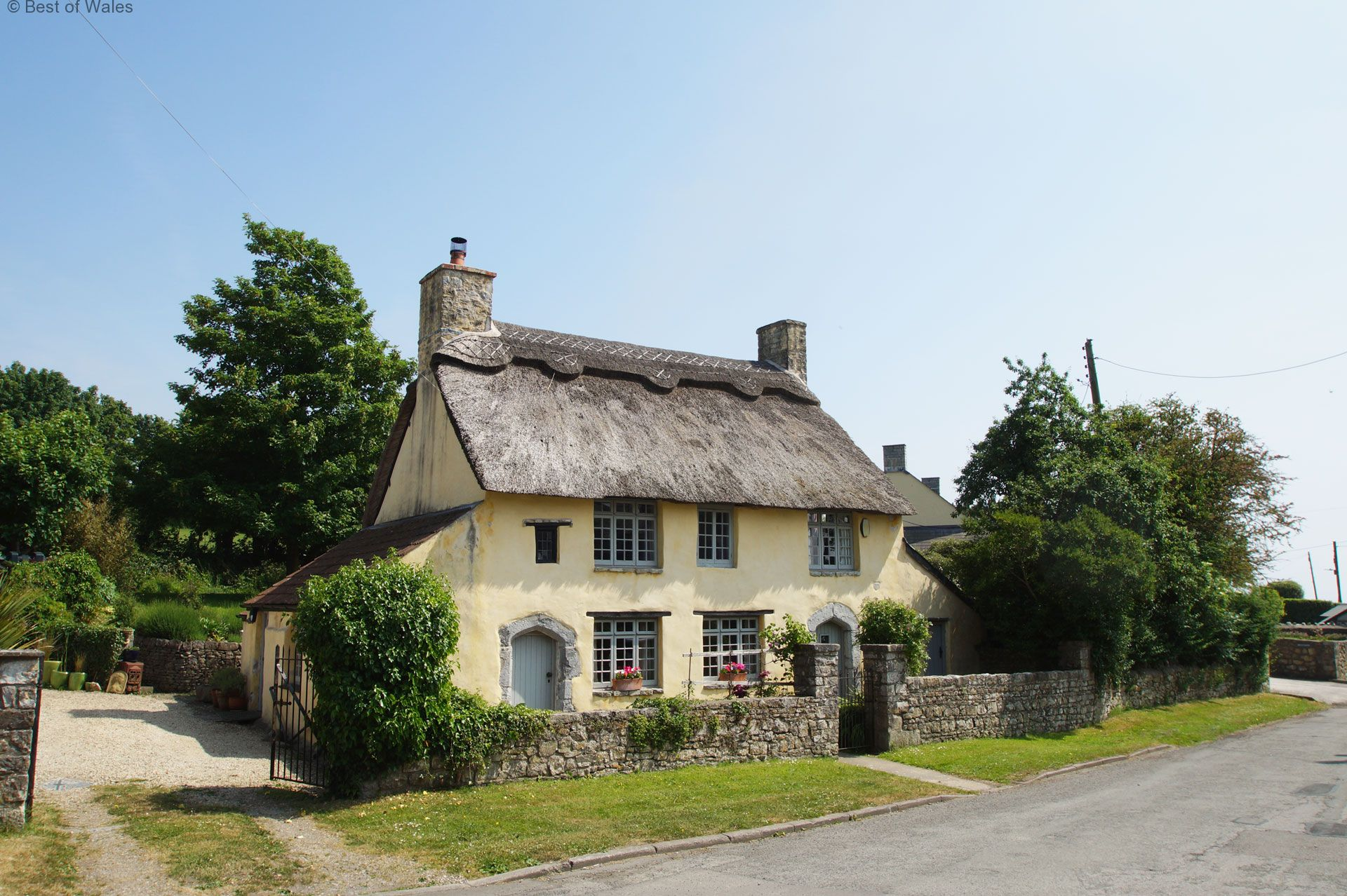 Idyllic thatched cottage set in a small hamlet - The thatched cottage ...