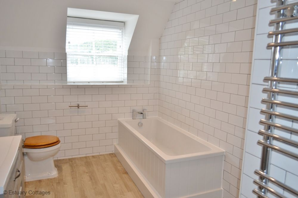 New fully tiled bathroom