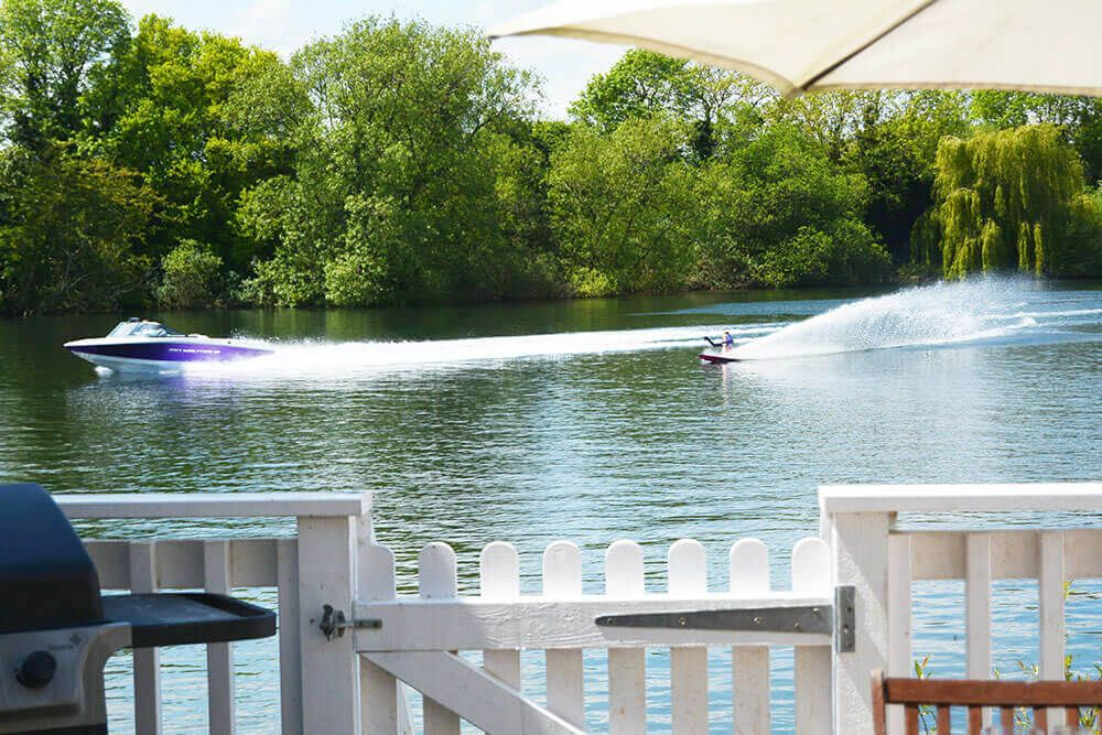 Spring Lake contains its own water ski lake; the perfect location for a family activity holiday