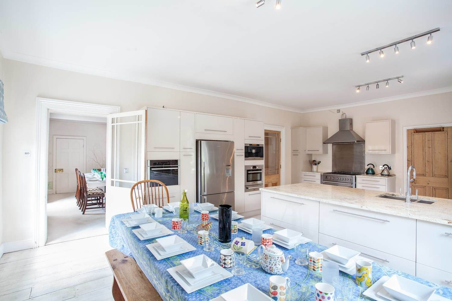 Ground floor: Open plan kitchen seating 12, perfect for jolly breakfasts