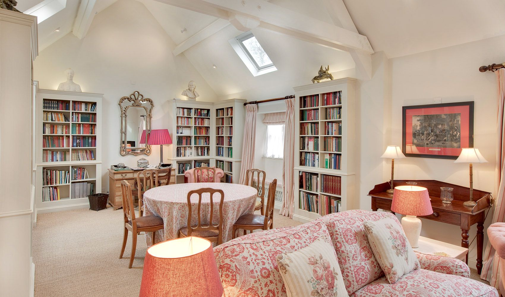 Cope Cottage is appreciated for its warm atmosphere and a spectacular 30' drawing room/dining-room