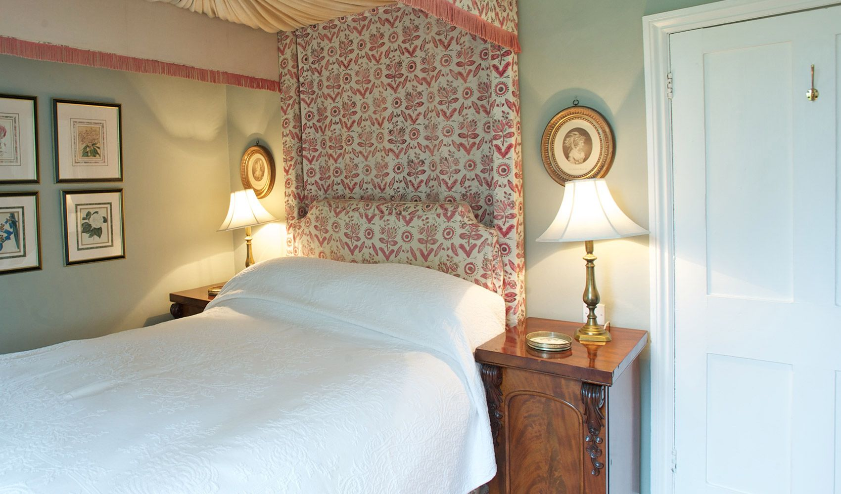 First floor: Double bedroom with an 18th century four-poster and hangings