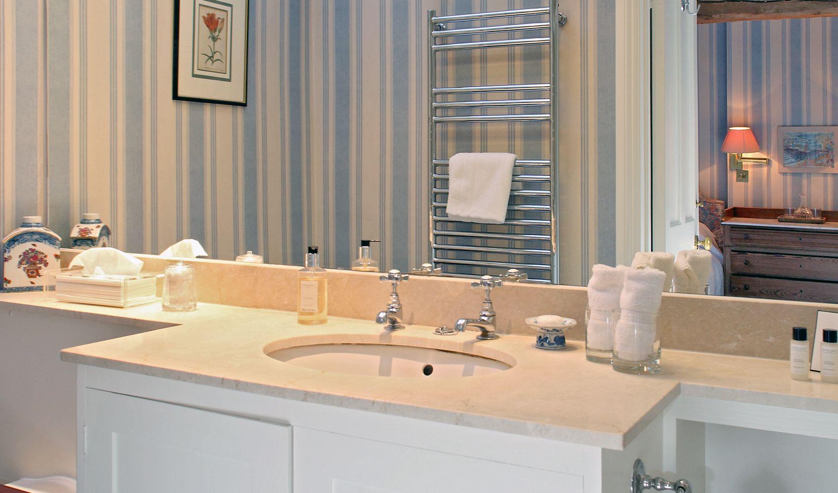 En suite shower room to twin bedroom