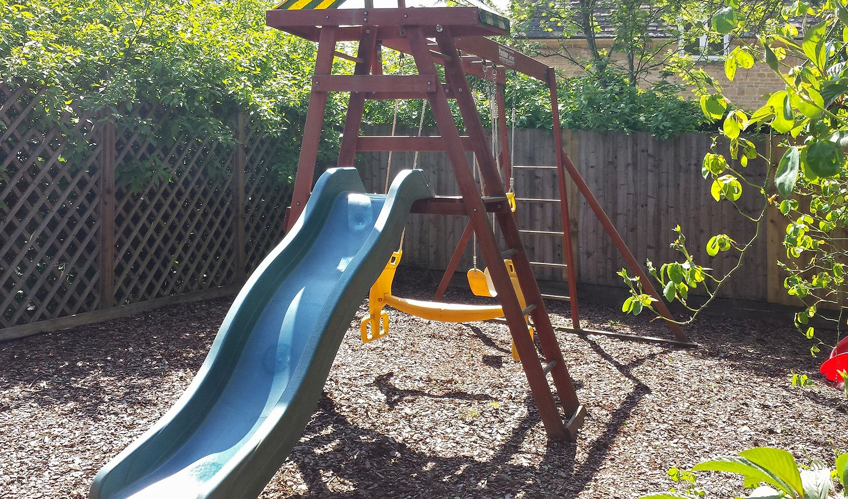 There's a child's play corner with a swing and seesaw (shared with Bookers)