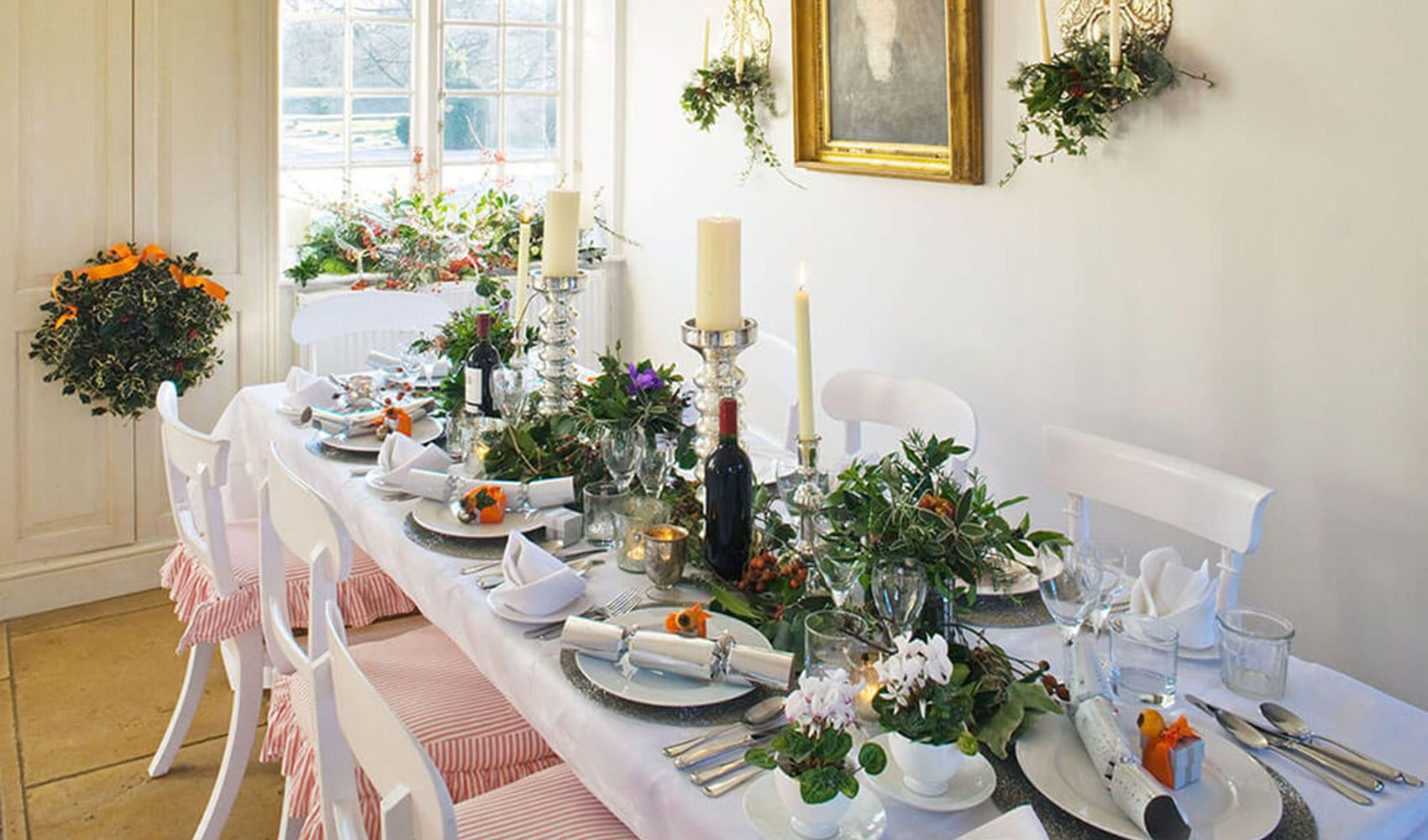 Ground floor: Dining area, dressed for Christmas