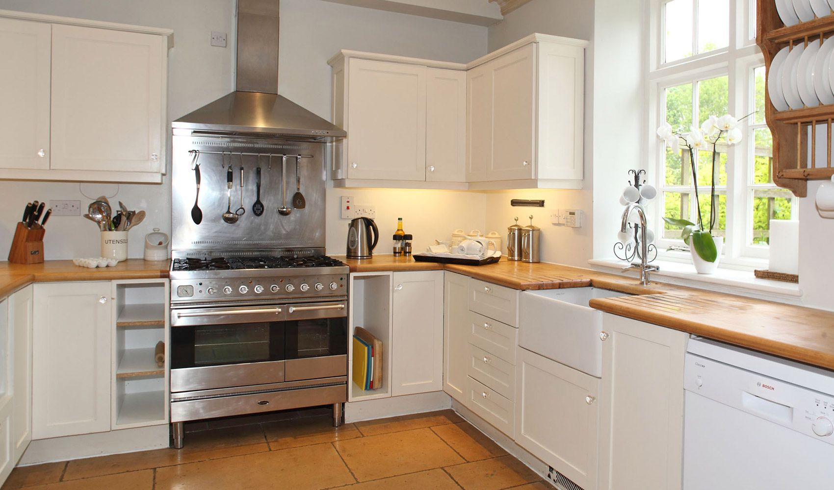 Ground floor: Well equipped kitchen in the open plan living area