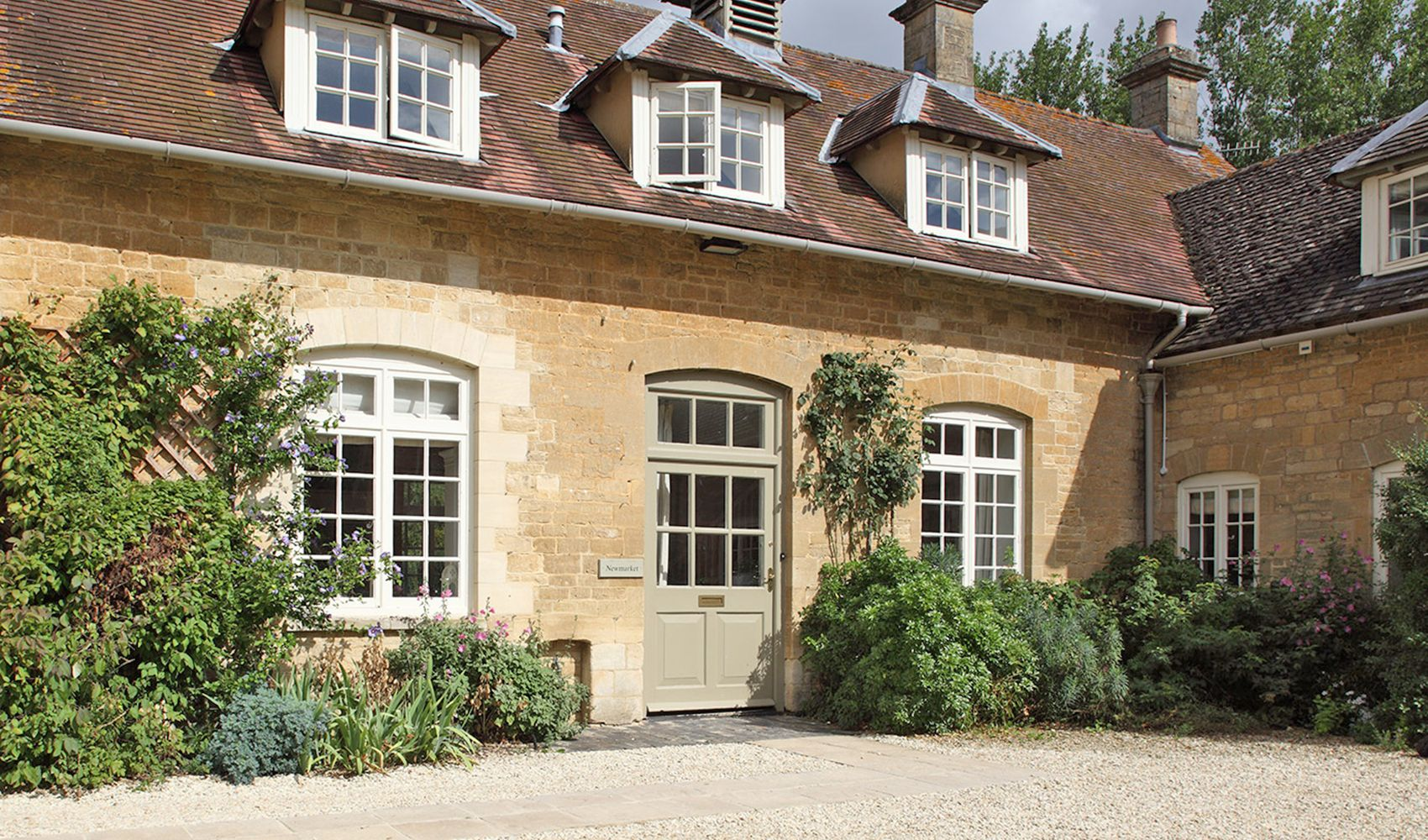 Newmarket Cottage, sleeping 8, is situated in Bruern's courtyard
