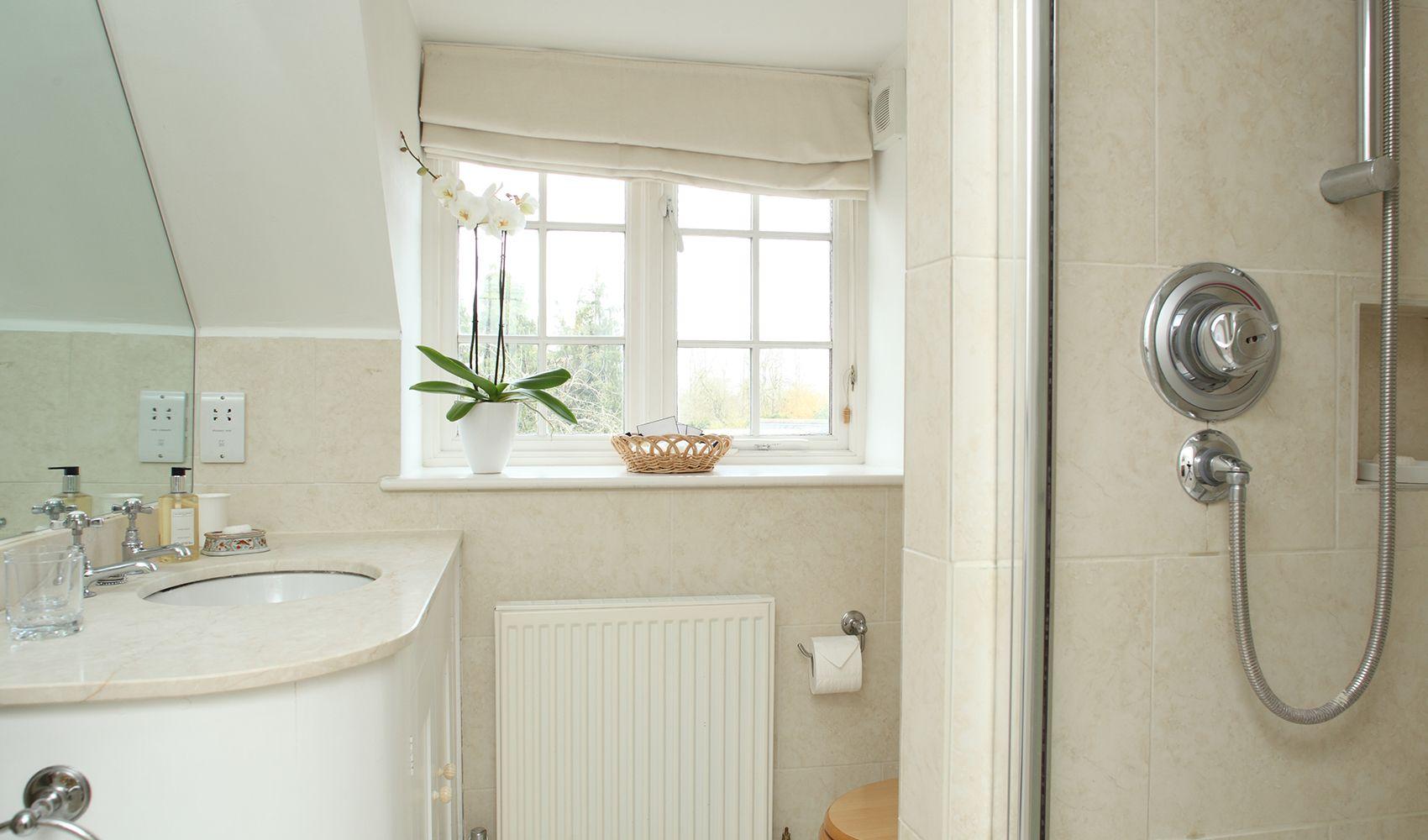 First floor: En suite shower room to double bedroom