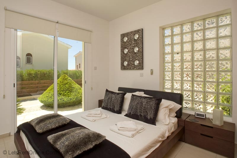 Rent Villas Paphos Holmes Place Garden Apartment With