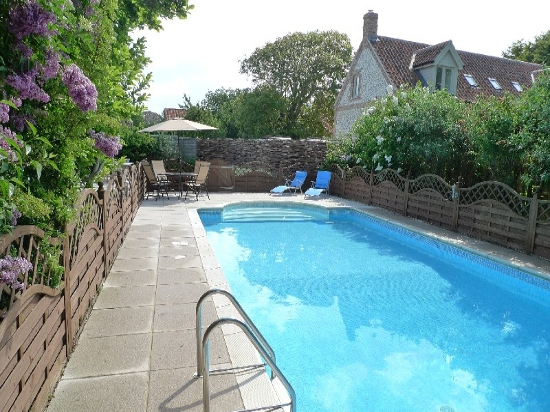 Norfolk Holiday Cottage To Rent In Brancaster Eastwood House