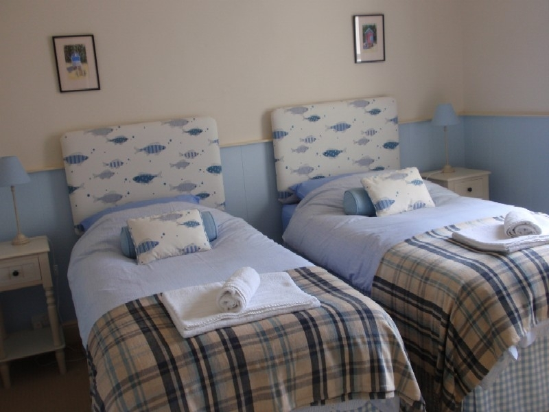 4 Monteagle   Bedroom 2 as twin room