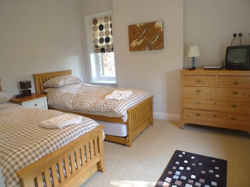 Holmhurst (6 bedrooms) | Bedroom 2