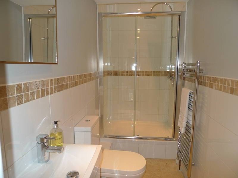 Pink Cottage | Shower room