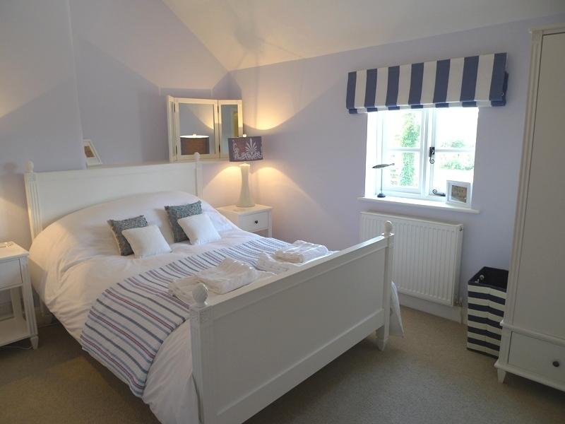 Pink Cottage | Bedroom 1