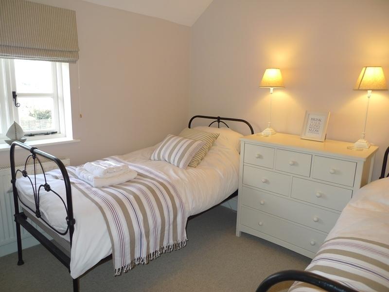 Pink Cottage | Bedroom 2