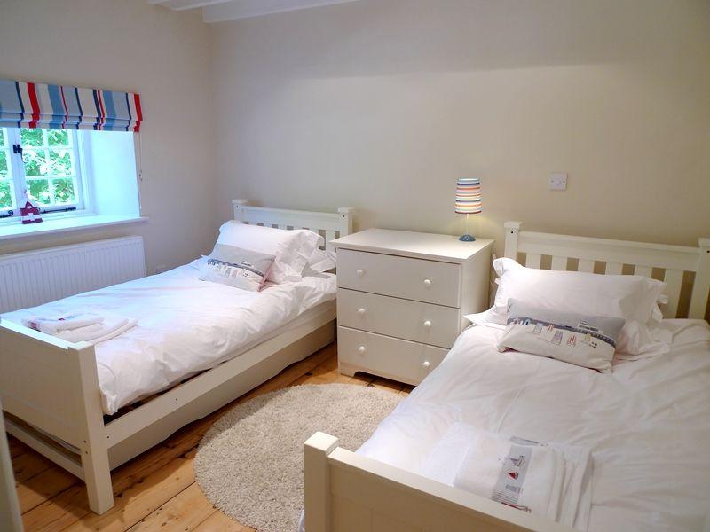 Old Sail Cottage   Bedroom 2