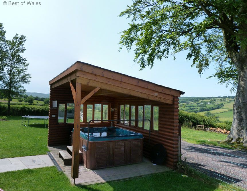 Self Catering Brecon Beacons Cottage With A Hot Tub