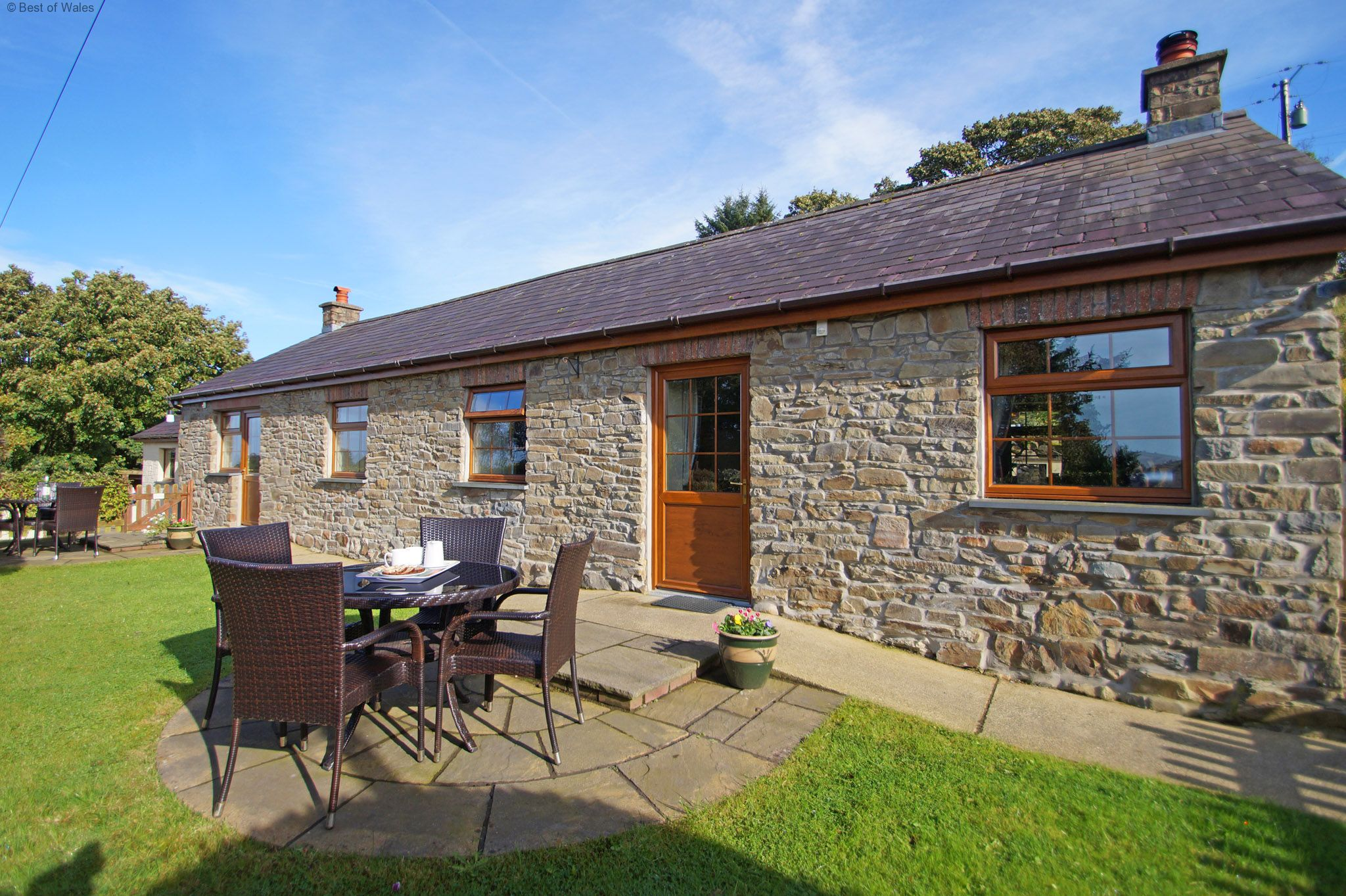 Small family holidays in west wales for Premium holiday cottages
