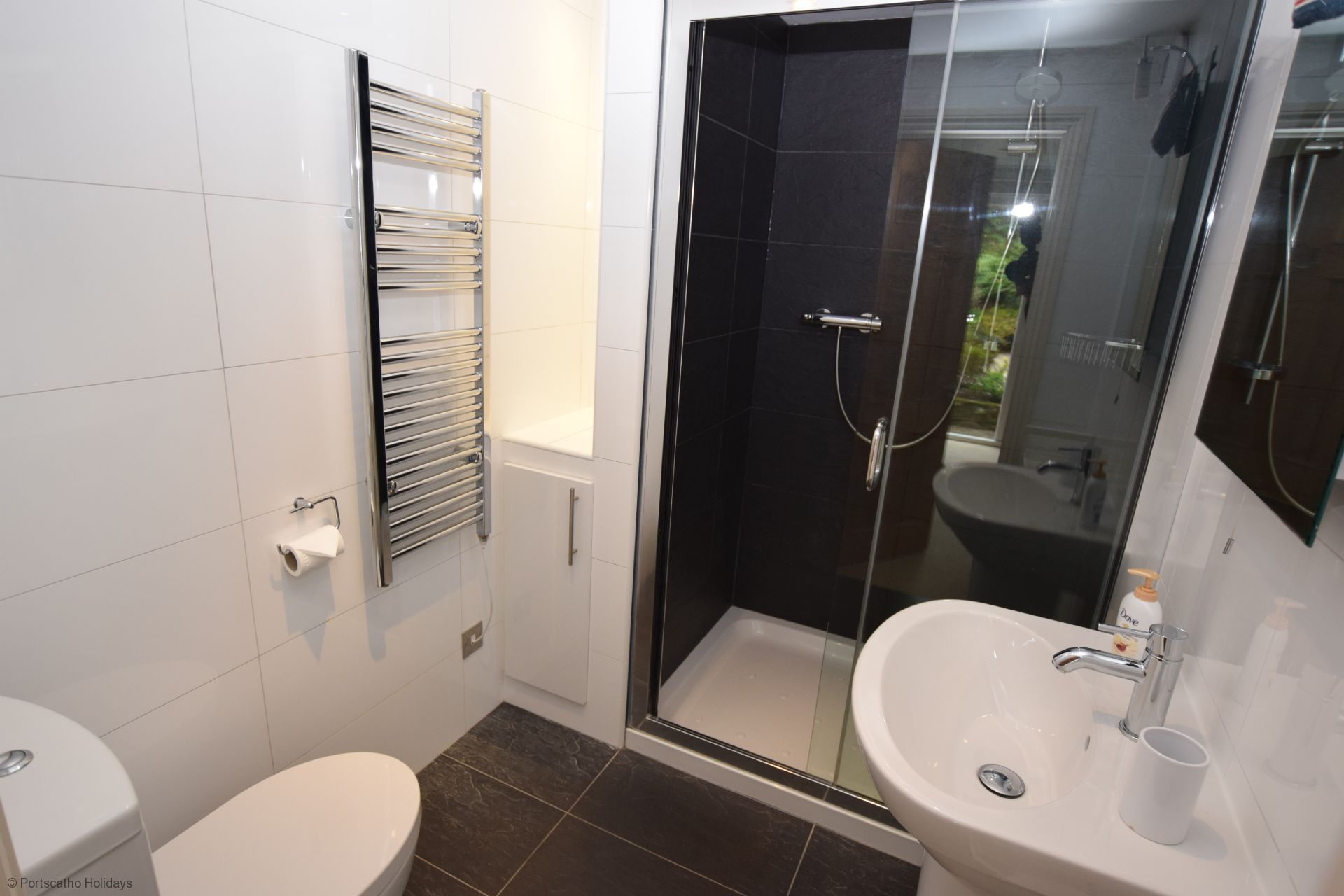 Pen An Garth - Master en-suite shower room