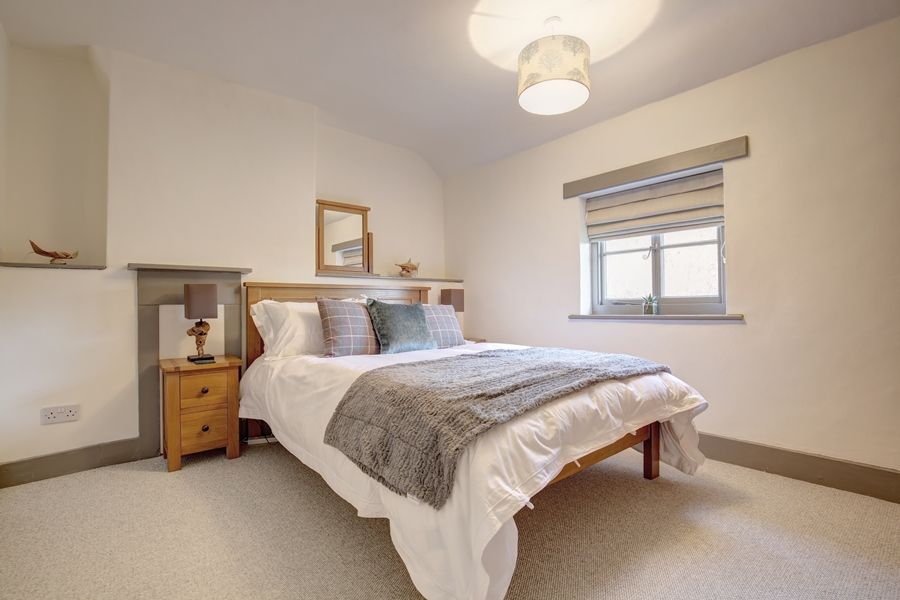Egmere End Cottage | Bedroom 1