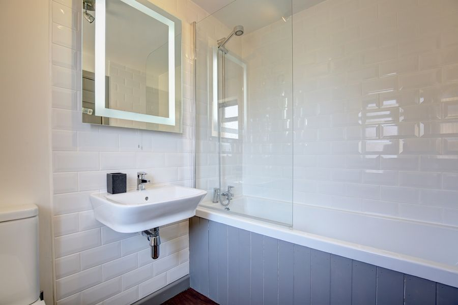 Egmere End Cottage | Bathroom