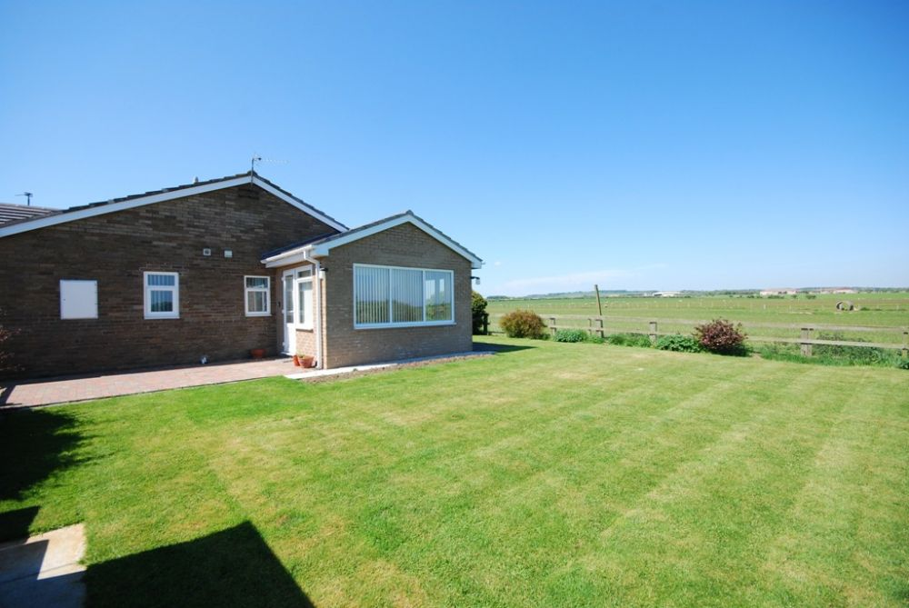 West acres boulmer northumbria coast country for Custom cottage fish house prices