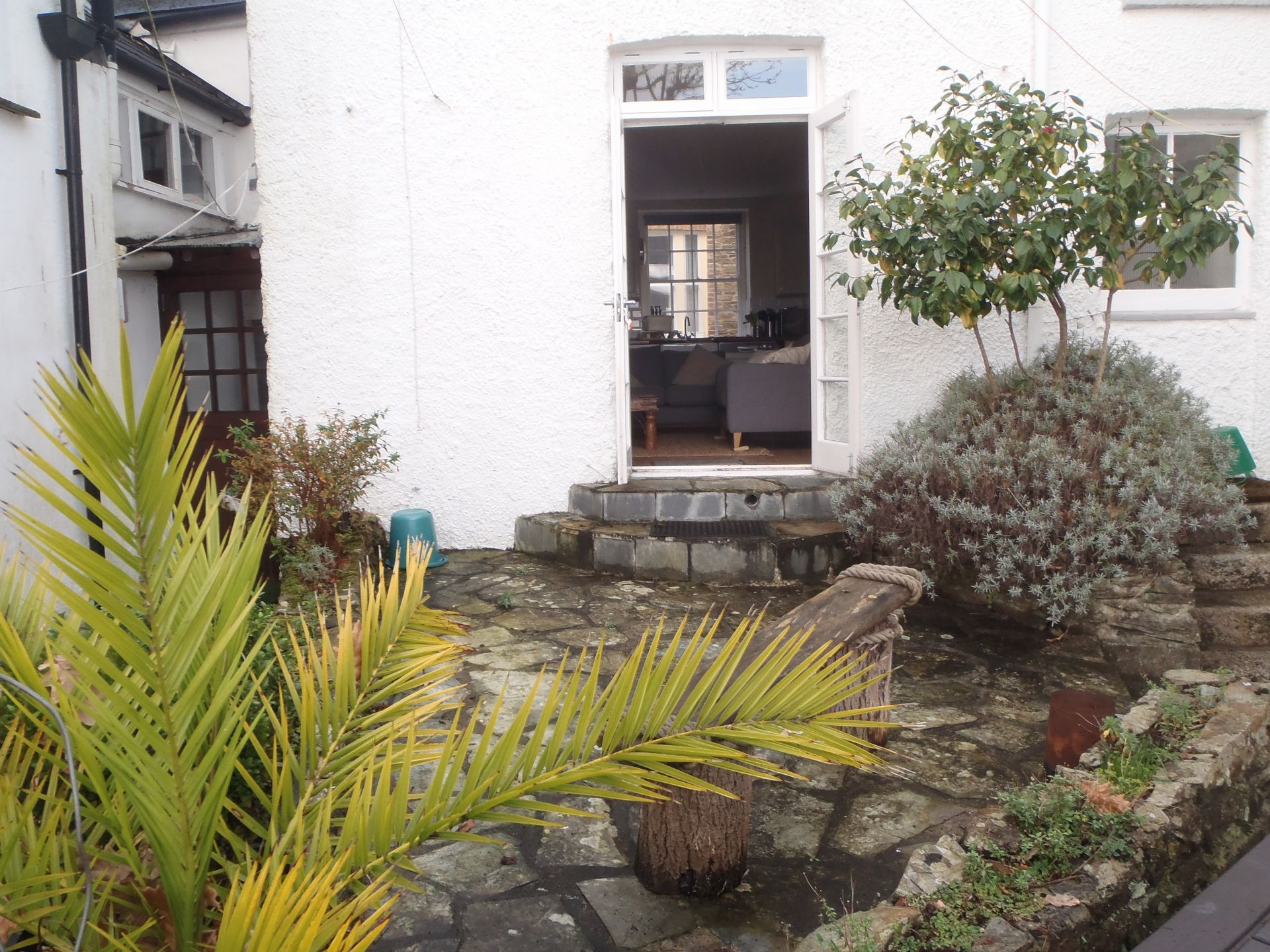 Buckingham Cottage, St Mawes, Rear Patio Area